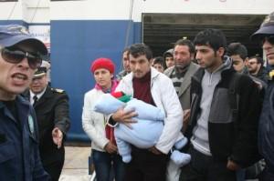 survivors arriving in piraeus on 23.1.14