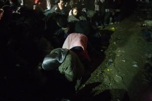 Women sleeping in the queue / copyright: Salinia Stroux