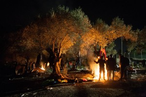 Only fires keep the wet people warm / copyright: Salinia Stroux